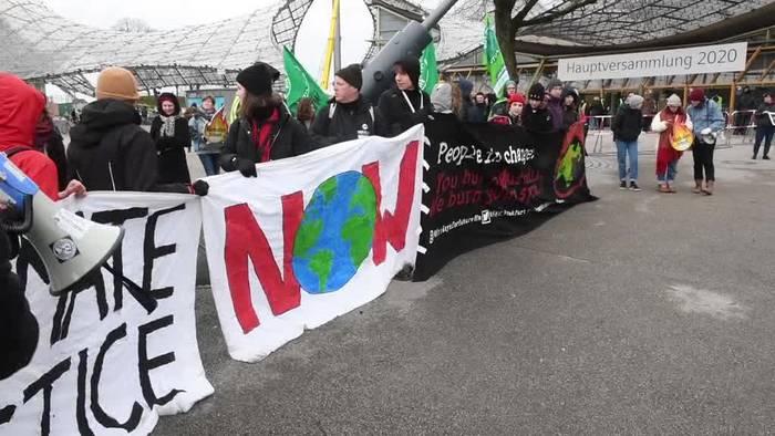 News video: Klimaaktivisten protestieren in München gegen Siemens