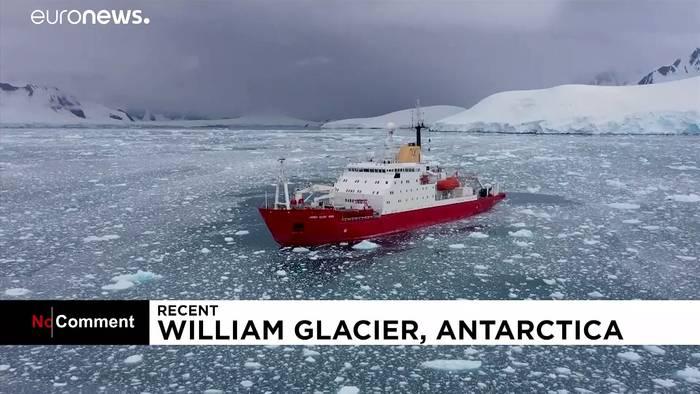 News video: Riesiger Eisblock bricht von Gletscher