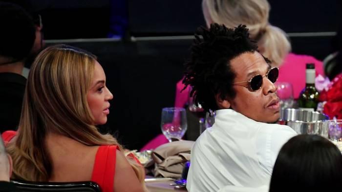 News video: Skandal beim Super Bowl: Jay-Z und Beyoncé erklären ihr Verhalten
