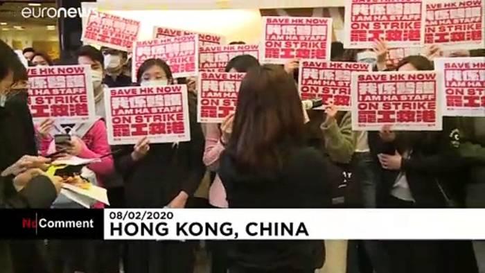 Video: Klinikpersonal beendet emotional aufgeladenen Streik
