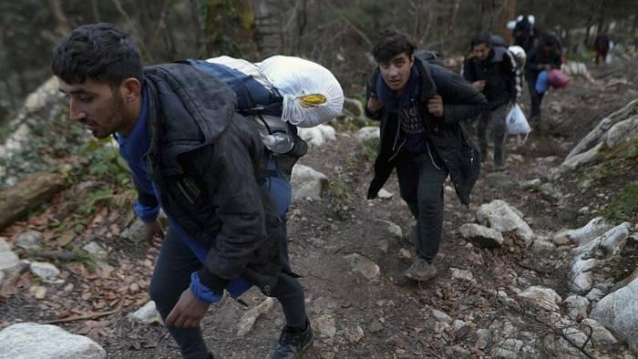 Video: Katz-und-Maus-Spiel an der bosnisch-kroatischen Grenze