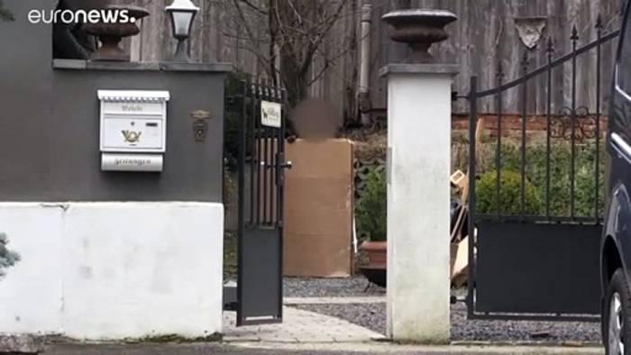 News video: Razzien gegen mutmaßliche rechte Terrorzelle: 12 Männer festgenommen