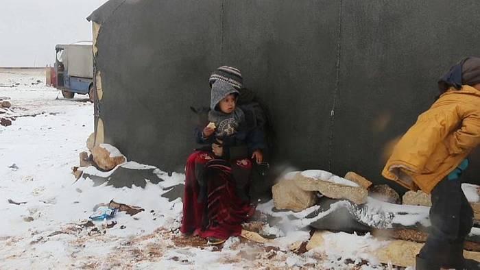 News video: Flüchtlinge in Syrien: Jetzt schneit es auch noch