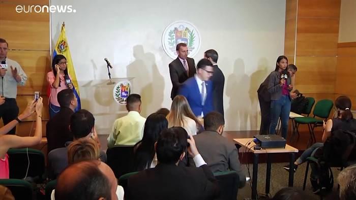 News video: Militärübung mit 2,3 Milizionären: Guaidó appelliert an Soldaten