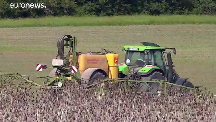 News video: Bayer und BASF: Millionenstrafe für Unkrautvernichter Dicamba in den USA