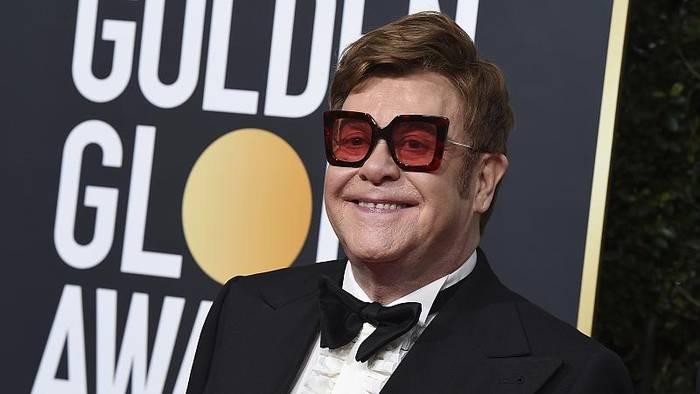 News video: Stimme weg: Elton John bricht Konzert ab