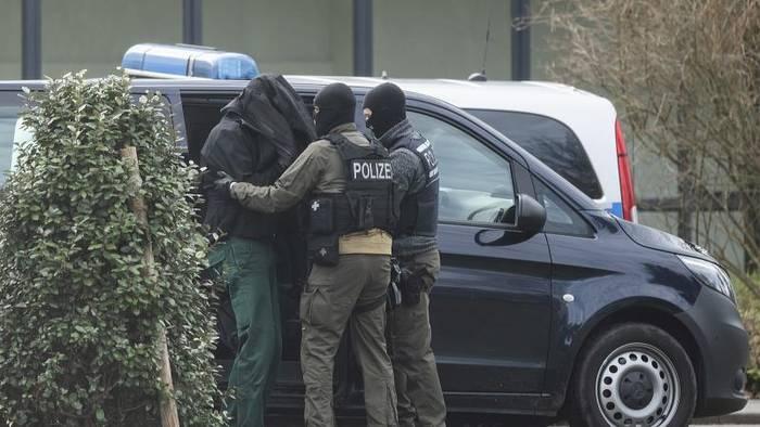 Video: Nach Festnahmen: Terrorgruppe plante Angriffe auf Moscheen
