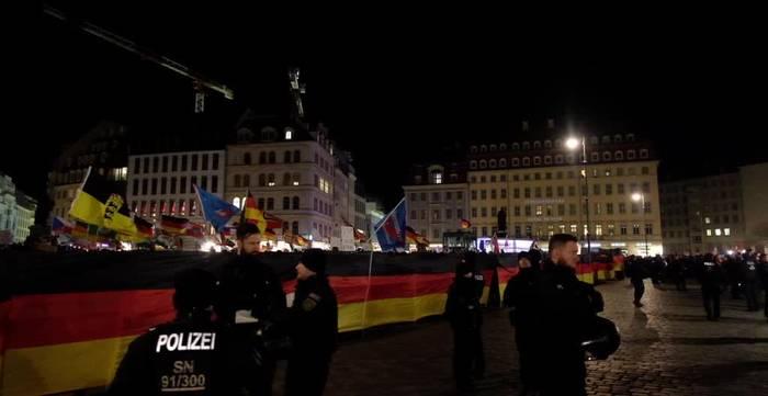 News video: Tausende protestieren gegen Höcke und Pegida in Dresden