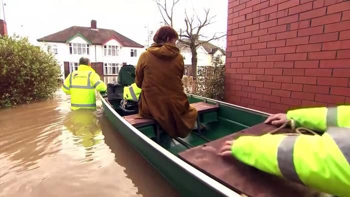 News video: Viele Briten weiter unter Wasser - Umweltminister gibt Klimawandel Schuld am Ausmaß der Schäden