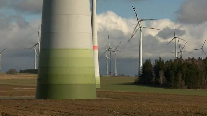 """News video: Windkraft: """"Grün"""" oder """"blutrot""""?"""