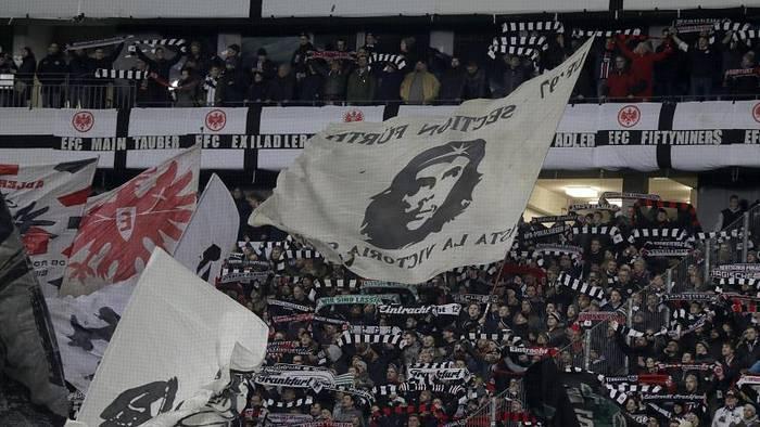 News video: Eintracht Frankfurt Fans zu Störer der Hanau-Minute: