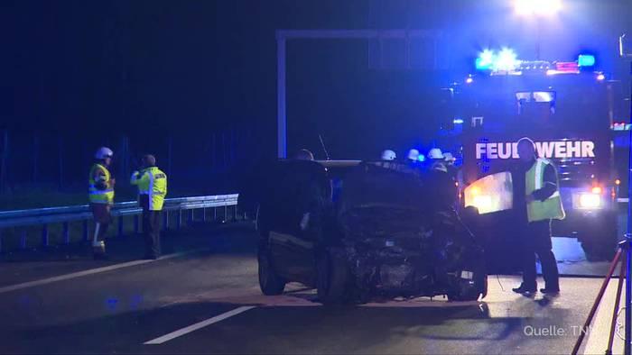 News video: Eine Tote bei Unfall mit mehreren Fahrzeugen auf A12