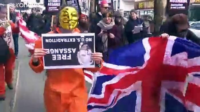Video: Protestmarsch für WikiLeaks-Gründer Assange