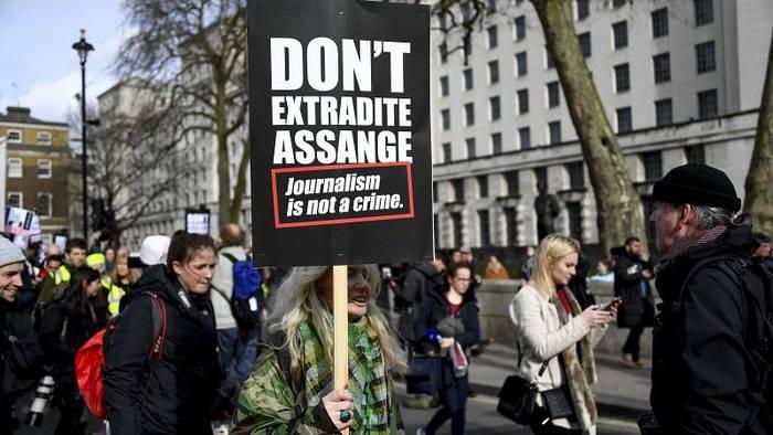 Video: Journalist oder Spion? Britische Justiz berät Auslieferung von Julian Assange (an die USA)