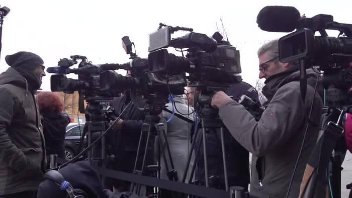News video: K-Frage bei der Union: Merz vor Söder und Röttgen