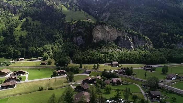 News video: Explosionsgefahr: Schweizer Dorf wird geräumt