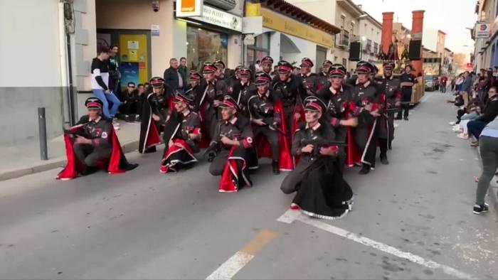 News video: Karnevalsparade in Spanien mit Nazis und KZ-Häftlingen