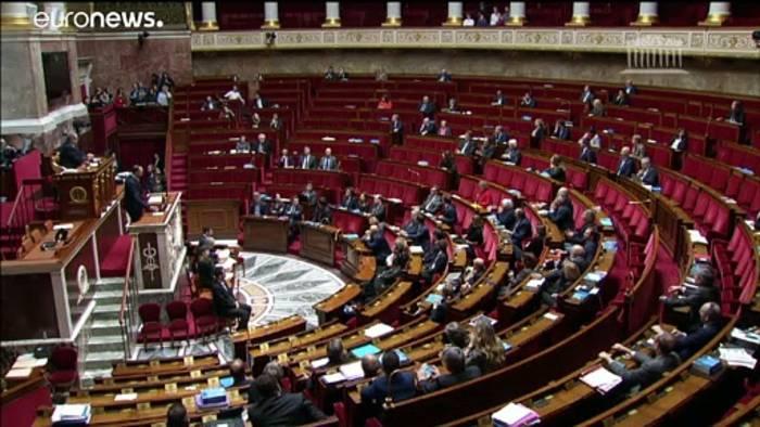 Video: Rentenreform: Frankreich umgeht das Parlament