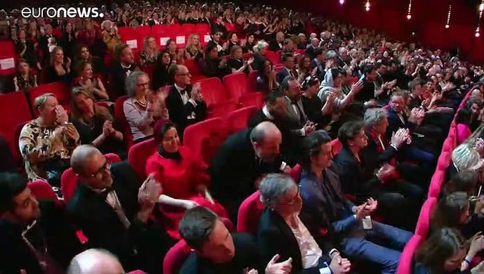 Video: Der Goldene Bär der 70. Berlinale für Film über Todesstrafe im Iran