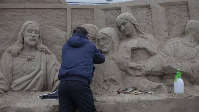 News video: Bibelszenen in Sand: In Binz wird neue Skulpturenschau