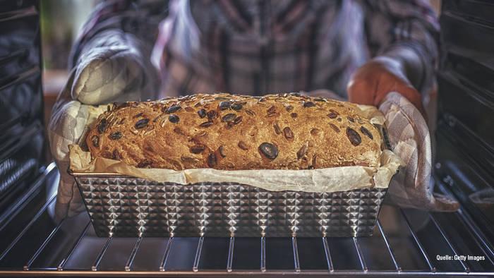 News video: Rezept für Low-Carb-Brot: So gelingt ein gesundes Frühstück