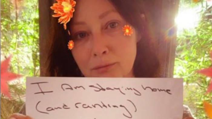 Video: Krebskranke Shannen Doherty: Haltet Abstand!