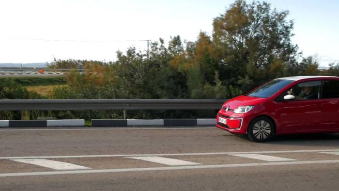 """News video: Volkswagen e-Up – """"Aufgewertet und Preiswerter!"""""""