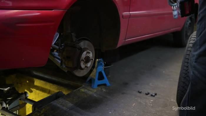News video: Corona-Krise macht den Reifenwechsel schwierig