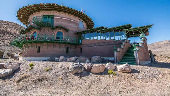 News video: Eine moderne Burg in Nevada bietet die ideale Rückzugsmöglichkeit