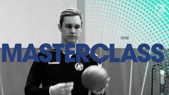 News video: Handball-Masterclass mit Marian Michalczik: Der Mindener Youngster zeigt uns einen