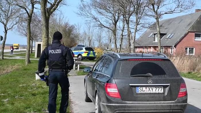 News video: St. Peter-Ording: Einreisekontrolle und Autokennzeichen im