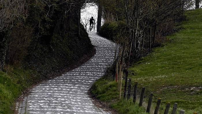 News video: Flandern-Rundfahrt: Radprofis starten zu Hause