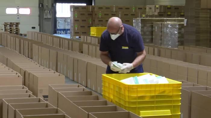 News video: Hamburg: Schutzmaterial an Ärzte und Therapeuten geliefert