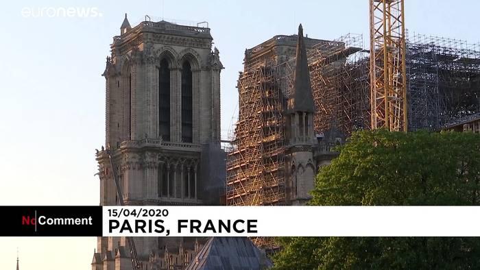 Video: Glocke von Notre-Dame um 20 Uhr mit dem Corona-Klatschen