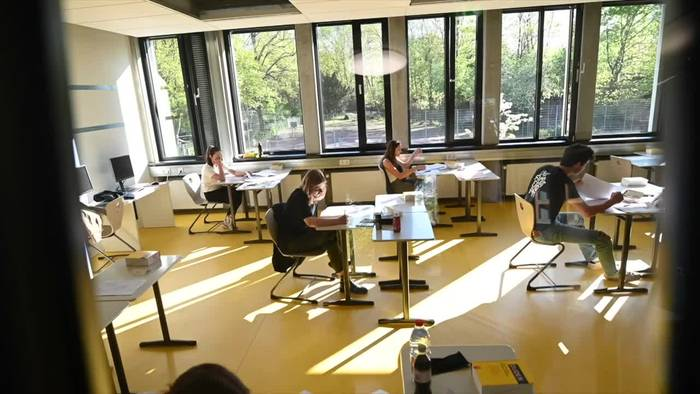 News video: Abiturprüfungen in Hamburg haben begonnen