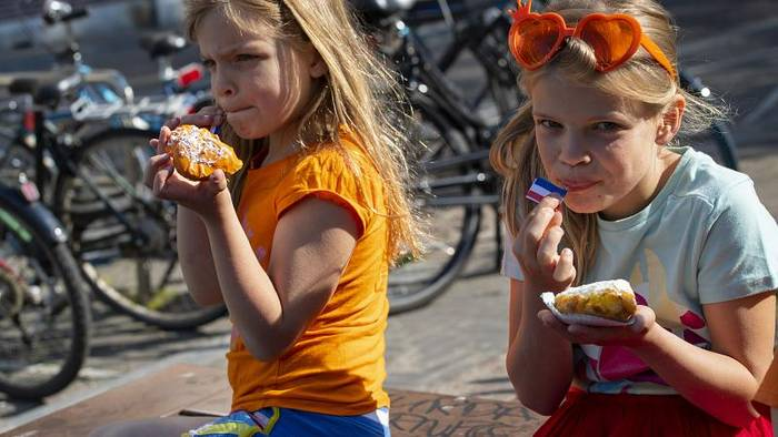 Video: Corona-Politik in den Niederlanden: Eigenverantwortung statt Verbote