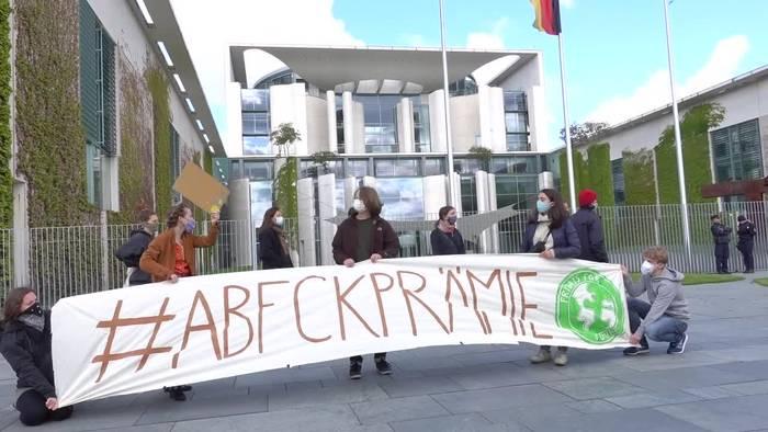 News video: Umweltschützer protestieren zum «Autogipfel»