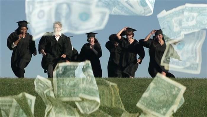 Video: Studenten klagen gegen Studiengebühren