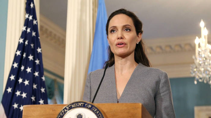 News video: Corona-Krise: Angelina Jolie fordert mehr Hilfe für bedürftige Familien