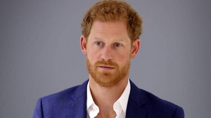 News video: Einsam in Hollywood: Prinz Harry nähert sich wieder Bruder William an