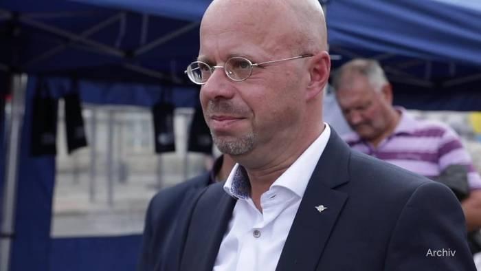 News video: Trotz AfD-Rauswurf: Kalbitz bleibt in Brandenburger Fraktion