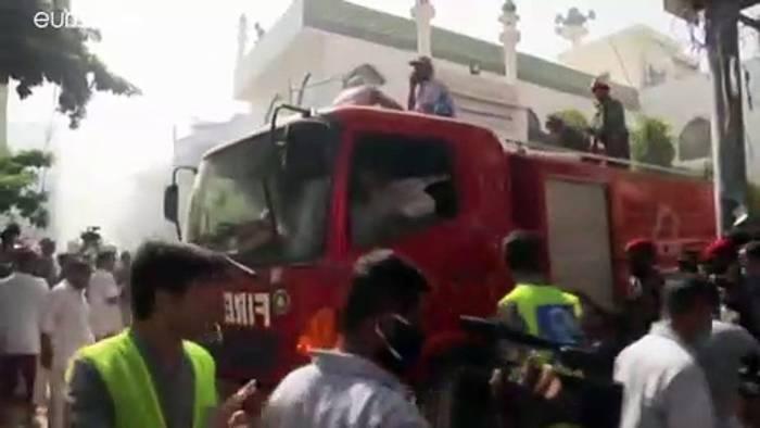 News video: Pakistan: 107 Tote bei Flugzeugabsturz in der Nähe von Karatschi