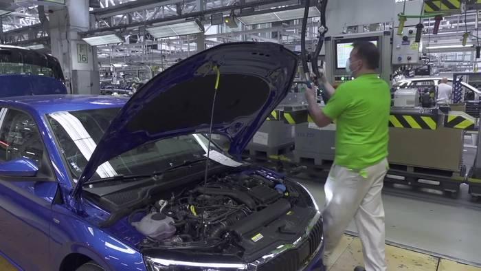 Video: Schutzmassnahmen in der Produktion bei ŠKODA AUTO