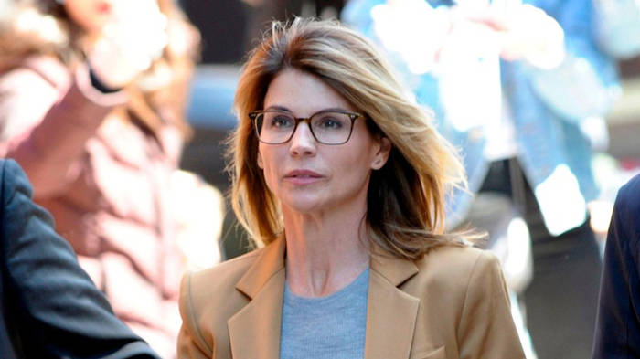 News video: College-Bestechungsskandal: Lori Loughlin muss ins Gefängnis