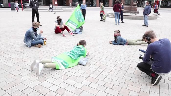 News video: Fridays for Future demonstriert für klimaneutrales Hamburg