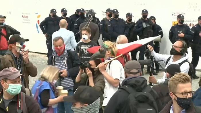 News video: Protest gegen Corona-Einschränkungen in Warschau