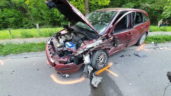 News video: Fünf Verletzte bei schwerem Verkehrsunfall in NRW!