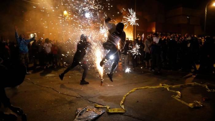 News video: Gewaltsame Proteste und Brandstiftung: Notstand über Minneapolis verhängt