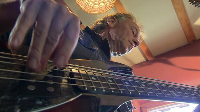 News video: Willy Wagner am Bass