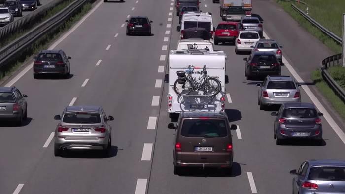 News video: ADAC erwartet lange Staus am Pfingstwochenende